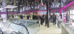 Designwechsel - Swarovski Wien - Mo 27.03.2017 - Store innen, Gesch�ftslokal, Rolltreppe93