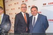 ABB übernimmt B&R PK - Park Hyatt - Mi 05.04.2017 - Ulrich SPIESSHOFER, Franz CHALUPECKKY32