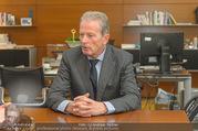 ABB übernimmt B&R PK - Park Hyatt - Mi 05.04.2017 - Reinhold MITTERLEHNER in seinem B�ro47