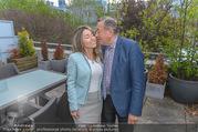 Richard Lugners Neue - Alhambra Lugner City - Do 20.04.2017 - Richard LUGNER, Andrea vom Badesee18