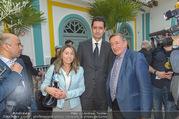 Richard Lugners Neue - Alhambra Lugner City - Do 20.04.2017 - Richard LUGNER, Andrea vom Badesee, Marokkanischer Botschafter91