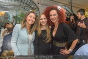 Richard Lugners Neue - Alhambra Lugner City - Do 20.04.2017 - Andrea vom Badesee, Jacqueline LUGNER, Christina LUGNER96