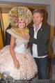Lifeball PK - LeMeridien - Mo 22.05.2017 - Alfons HAIDER mit verkleideter Hostess5