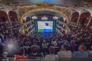 SKY Champions League Finale - Volkstheater - Sa 03.06.2017 - �bersichtsfoto Zuschauerraum Public Viewing Leinwand G�ste57