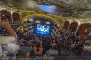 SKY Champions League Finale - Volkstheater - Sa 03.06.2017 - �bersichtsfoto Zuschauerraum Public Viewing Leinwand G�ste58