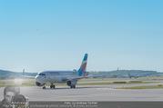 Lifeball Flieger Ankunft - Flughafen Wien Schwechat - Fr 09.06.2017 - Flugzeug, Landebahn, Ankunft, Abflug6
