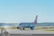 Lifeball Flieger Ankunft - Flughafen Wien Schwechat - Fr 09.06.2017 - Flugzeug, Landebahn, Ankunft, Abflug8