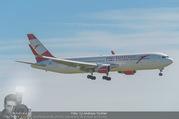 Lifeball Flieger Ankunft - Flughafen Wien Schwechat - Fr 09.06.2017 - Lifeball Flieger Ankunft Flugzeug, Landebahn, Ankunft17
