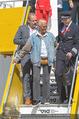 Lifeball Flieger Ankunft - Flughafen Wien Schwechat - Fr 09.06.2017 - Dionne WARWICK, Gery KESZLER25