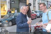 Rahimi Empfang - Palais Szechenyi - Fr 09.06.2017 - Wolfgang PUCK gibt Autogramme28
