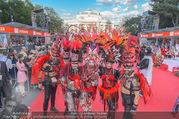 Lifeball - Red Carpet - Rathausplatz - Sa 10.06.2017 - Kost�me, verkleidete G�ste28