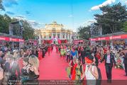 Lifeball - Red Carpet - Rathausplatz - Sa 10.06.2017 - Kost�me, verkleidete G�ste, Burgtheater, �bersichtsfoto32