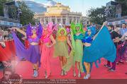 Lifeball - Red Carpet - Rathausplatz - Sa 10.06.2017 - G�ste, Kost�me52