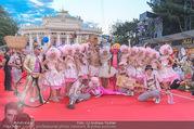 Lifeball - Red Carpet - Rathausplatz - Sa 10.06.2017 - G�ste, Kost�me (Str�ck)61
