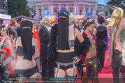 Lifeball - Red Carpet - Rathausplatz - Sa 10.06.2017 - G�ste in Nikab und Strapsen, Moslem, Muslime, Islam, G�ste86