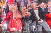 Lifeball - Red Carpet - Rathausplatz - Sa 10.06.2017 - Jazz GITTI, Willi GABALIER, Busenfr�ulein128