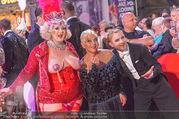 Lifeball - Red Carpet - Rathausplatz - Sa 10.06.2017 - Jazz GITTI, Willi GABALIER, Busenfr�ulein129