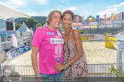 Promi Beachvolleyball - Strandbad Baden - Mi 14.06.2017 - Norbert BLECHA mit Freundin Monika7