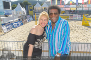 Promi Beachvolleyball - Strandbad Baden - Mi 14.06.2017 - Roberto BLANCO mit Ehefrau Luzandra44