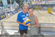 Promi Beachvolleyball - Strandbad Baden - Mi 14.06.2017 - Walter Schoko SCHACHNER mit Ehefrau Cornelia Conny60