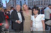 Fete Imperiale - Spanische Hofreitschule - Fr 23.06.2017 - Sibylle SCH�N, Regine und Erich SIXT91