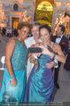Fete Imperiale - Spanische Hofreitschule - Fr 23.06.2017 - Arabella KIESBAUER, Vera RUSSWURM, Alfons HAIDER machen Selfie101