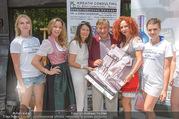 Jungwzinzerinnen Presseshooting - Heuriger Feuerwehr Wagner - Di 04.07.2017 - Kalendermodelle, Ellen LEDERM�LLER, Richard u. Christina LUGNER15