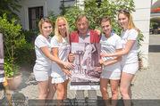 Jungwzinzerinnen Presseshooting - Heuriger Feuerwehr Wagner - Di 04.07.2017 - Richard LUGNER mit Kalendermodels17