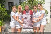 Jungwzinzerinnen Presseshooting - Heuriger Feuerwehr Wagner - Di 04.07.2017 - Richard LUGNER mit Kalendermodels18