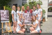 Jungwzinzerinnen Presseshooting - Heuriger Feuerwehr Wagner - Di 04.07.2017 - Richard LUGNER mit Kalendermodels20