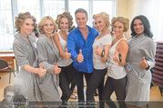 Miss Austria Wahl 2017 - Casino Baden - Do 06.07.2017 - Alfons HAIDER backstage vor der Wahl mit Missen140