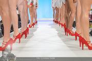 Miss Austria Wahl 2017 - Casino Baden - Do 06.07.2017 - rote St�ckelschuhe, Beine, Laufsteg, Models, F��e243