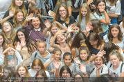 Geburtstagsfest Tag 3 - PlusCity Linz - Sa 02.09.2017 - Kreischende M�dels, Fans34