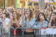 Geburtstagsfest Tag 3 - PlusCity Linz - Sa 02.09.2017 - Fans, kreischende M�dels, hysterisch, Teenager, Boyband150