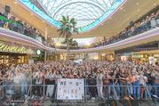 Geburtstagsfest Tag 3 - PlusCity Linz - Sa 02.09.2017 - Fans, kreischende M�dels, hysterisch, Teenager, Boyband152