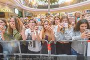 Geburtstagsfest Tag 3 - PlusCity Linz - Sa 02.09.2017 - Fans, kreischende M�dels, hysterisch, Teenager, Boyband160