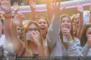 Geburtstagsfest Tag 3 - PlusCity Linz - Sa 02.09.2017 - Fans, kreischende M�dels, hysterisch, Teenager, Boyband170