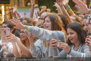 Geburtstagsfest Tag 3 - PlusCity Linz - Sa 02.09.2017 - Fans, kreischende M�dels, hysterisch, Teenager, Boyband171
