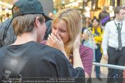 Geburtstagsfest Tag 3 - PlusCity Linz - Sa 02.09.2017 - Mike SINGER macht Selfies mit weinenden Fans229