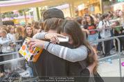 Geburtstagsfest Tag 3 - PlusCity Linz - Sa 02.09.2017 - Mike SINGER macht Selfies mit weinenden Fans254