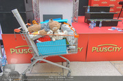 Geburtstagsfest Tag 3 - PlusCity Linz - Sa 02.09.2017 - Mitbringsel der Fans f�r Mike SINGER334