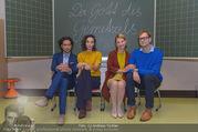 Presseshooting Der Gott des Gemetzels - Stilklassen Volksschule Berndorf - Mo 11.09.2017 - Kristina SPRENGER, Stefano BERNARDIN, Alexander JAGSCH, Maddalen4