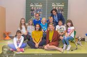 Presseshooting Der Gott des Gemetzels - Stilklassen Volksschule Berndorf - Mo 11.09.2017 - Kristina SPRENGER, Stefano BERNARDIN, Alexander JAGSCH, Maddalen28