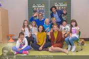 Presseshooting Der Gott des Gemetzels - Stilklassen Volksschule Berndorf - Mo 11.09.2017 - Kristina SPRENGER, Stefano BERNARDIN, Alexander JAGSCH, Maddalen29