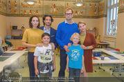 Presseshooting Der Gott des Gemetzels - Stilklassen Volksschule Berndorf - Mo 11.09.2017 - Kristina SPRENGER, Stefano BERNARDIN, Alexander JAGSCH, Maddalen30