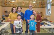 Presseshooting Der Gott des Gemetzels - Stilklassen Volksschule Berndorf - Mo 11.09.2017 - Kristina SPRENGER, Stefano BERNARDIN, Alexander JAGSCH, Maddalen32