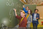 Presseshooting Der Gott des Gemetzels - Stilklassen Volksschule Berndorf - Mo 11.09.2017 - Kristina SPRENGER, Stefano BERNARDIN, Alexander JAGSCH, Maddalen43