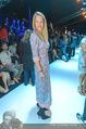 Anelia Peschev Show - Fashion Week Zelt - Di 12.09.2017 - Eva DICHAND35