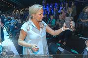 Anelia Peschev Show - Fashion Week Zelt - Di 12.09.2017 - Anna NETREBKO, Eva DICHAND37