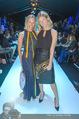 Anelia Peschev Show - Fashion Week Zelt - Di 12.09.2017 - Gloria HUNDSBERGER, Theresa LANGMANN39